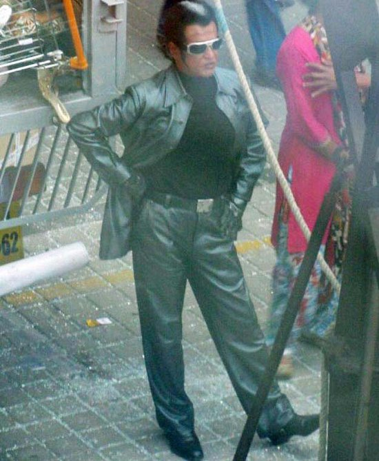 enthiran-the-robot-leaked-on-location-stills-more-2