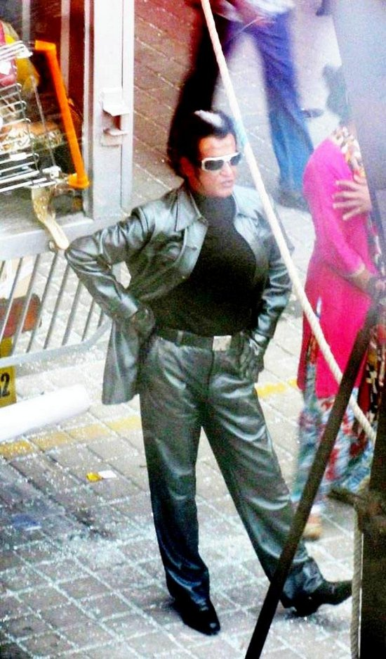 enthiran-the-robot-leaked-on-location-stills-more-6